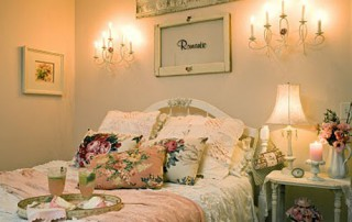 1314720347-Romantic-Shabby-Wedding-Bedroom-Decorating-5